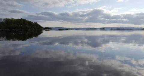 Un jour tranquil sur le lac Corrib